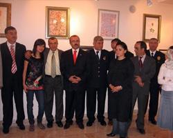Ressam, Bayburt yerel yöneticiler ve sanatçı arkadaşları ile